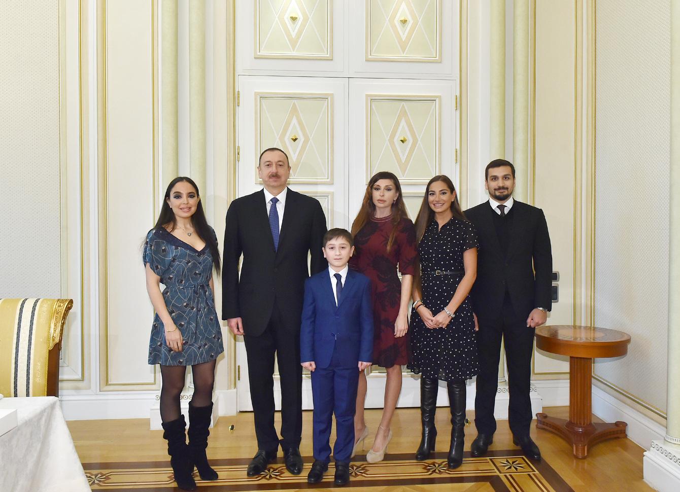Prezident və xanımı ilə Ümidin 11 yaşında maraqlı dialoqu: saat hədiyyə etmişdi - FOTOLAR